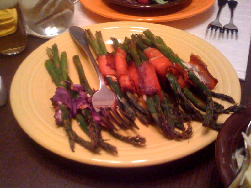 Asparagus wrapped with prosciutto, cabbage