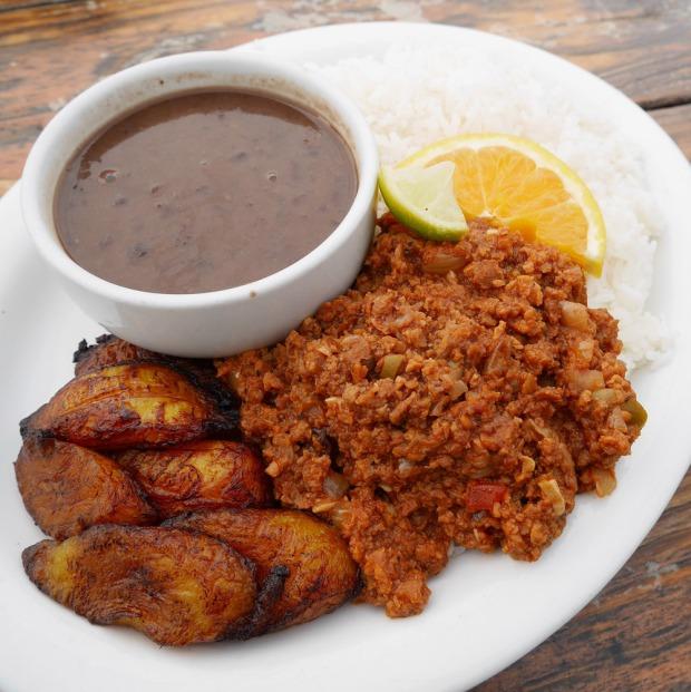 Vegan Picadillo de Soya Plate, El Cubo de Cuba